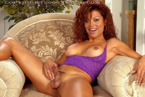 Christina aguilera takein a naked path