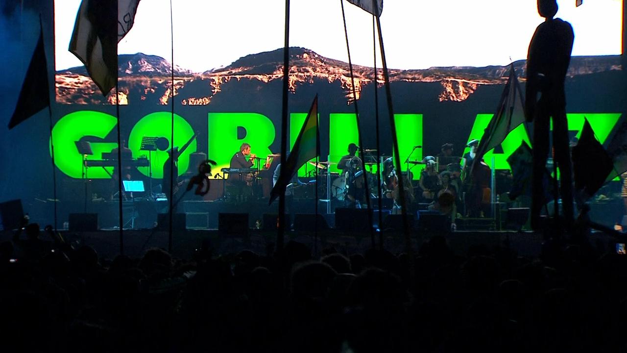 Gorillaz.Live.at.Glastonbury.Festival.3.png