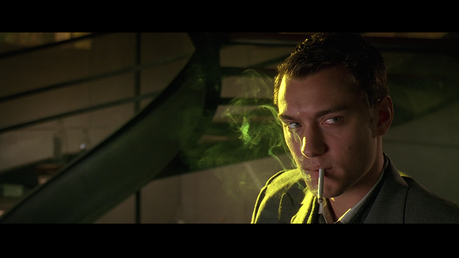 how is setting used in gattaca