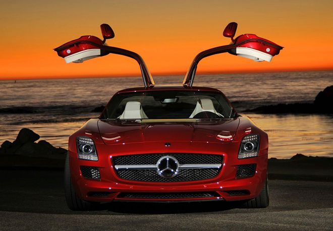 Mercedes-Benz SLS AMG – гордость и лицо компании