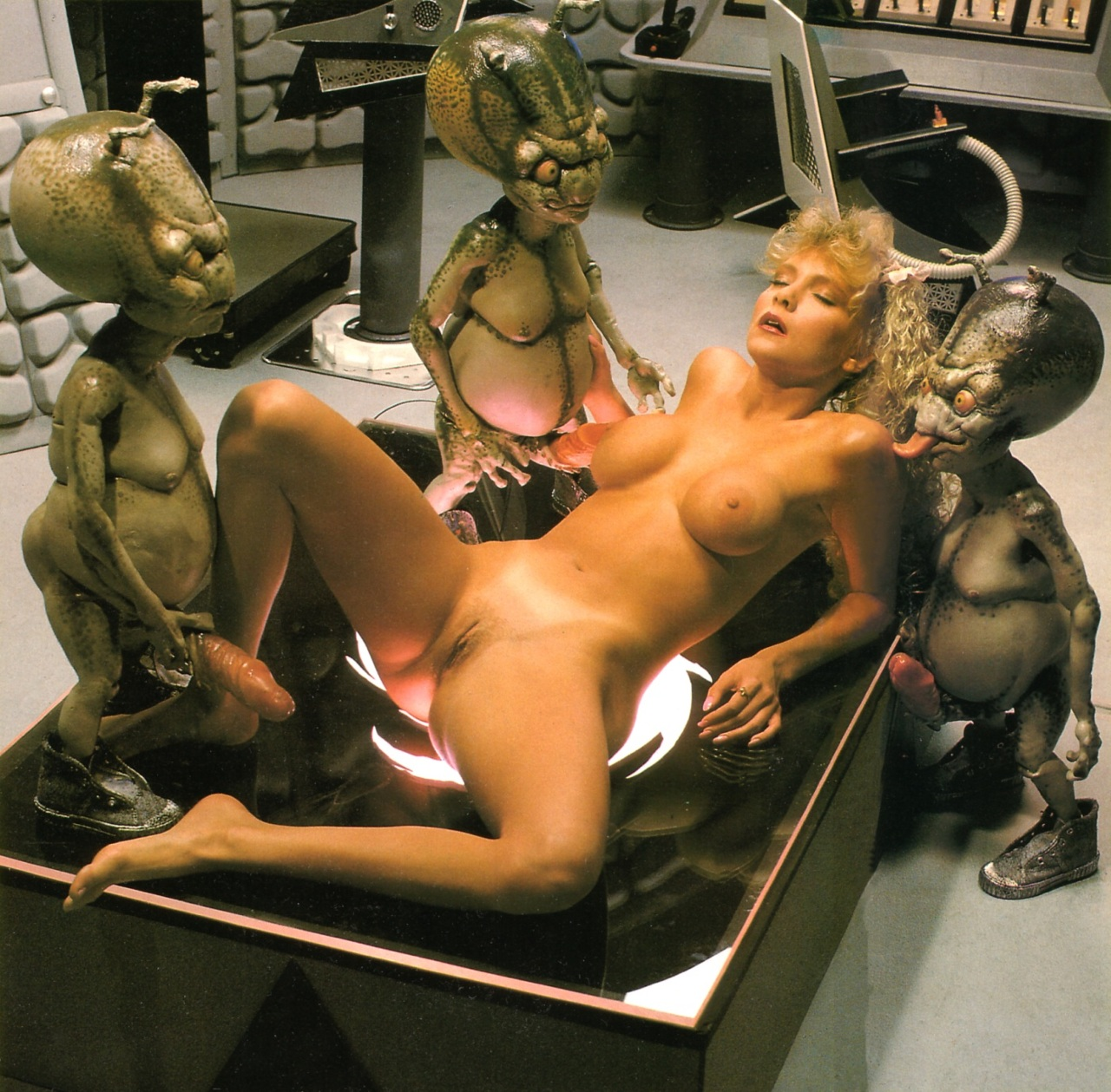 Alien porno video sexy picture