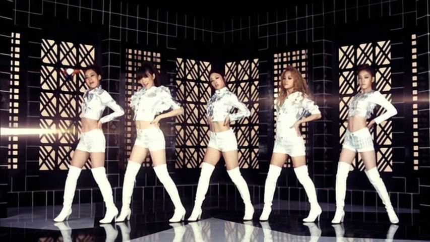 Jumping (Dance ver.) 2.jpg