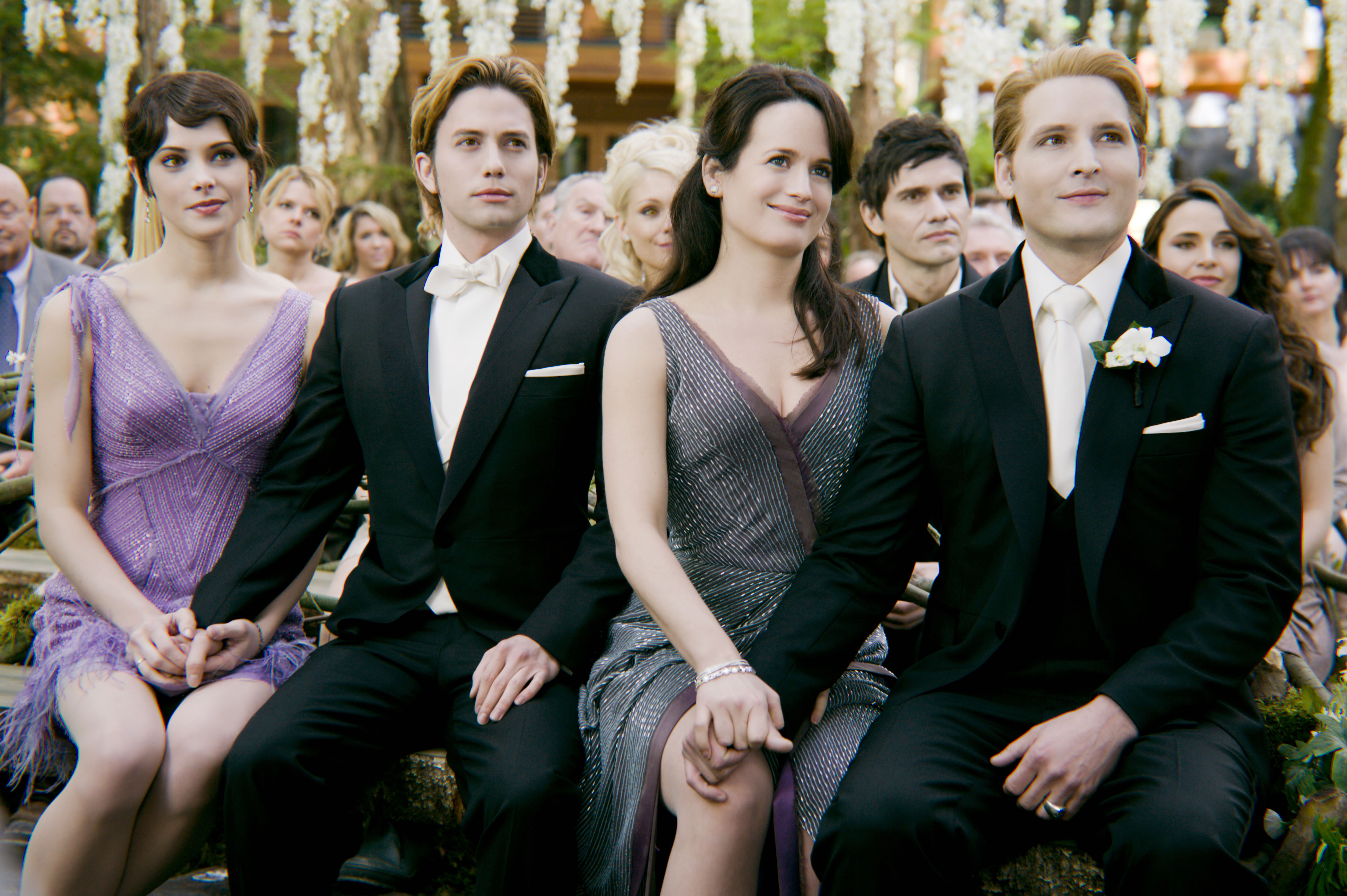 twilight-breaking-dawn-part-1-movie-image-cullen-wedding-01.jpg