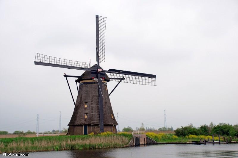 старинных ветряных мельниц