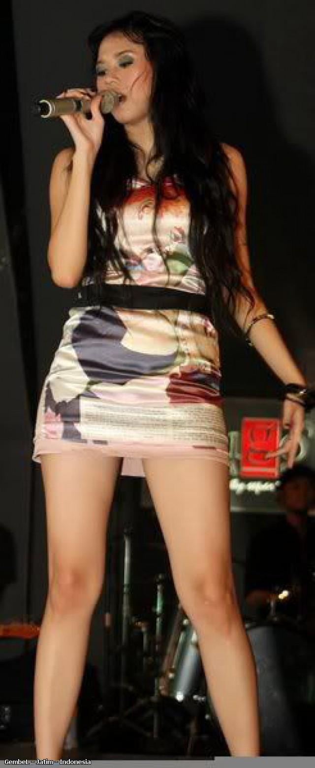 Aksi Sexy Aura Kasih Saat Show. | Kaskus - The Largest Indonesian ...