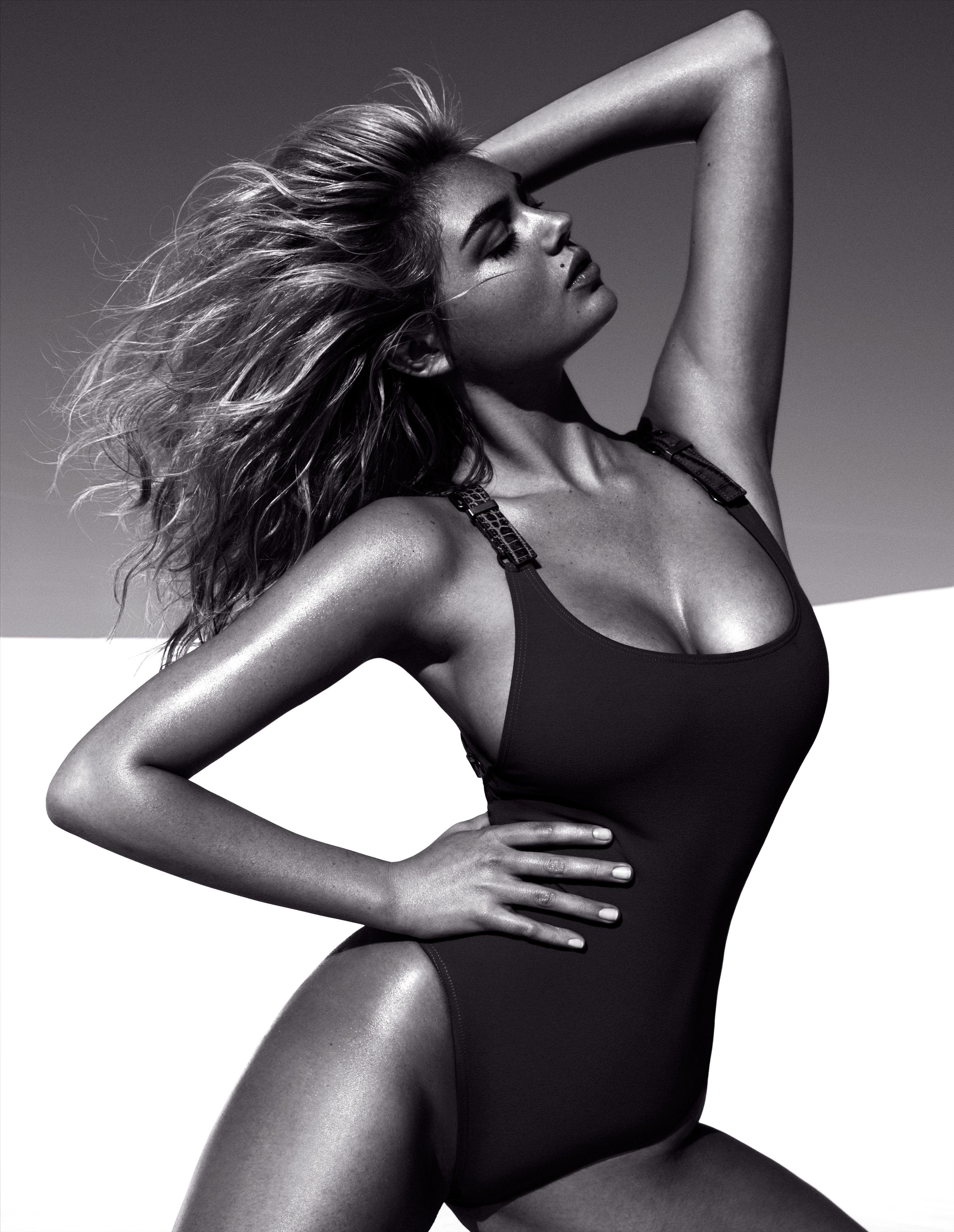 Фото моделей девушек журнала в купальниках 12 фотография