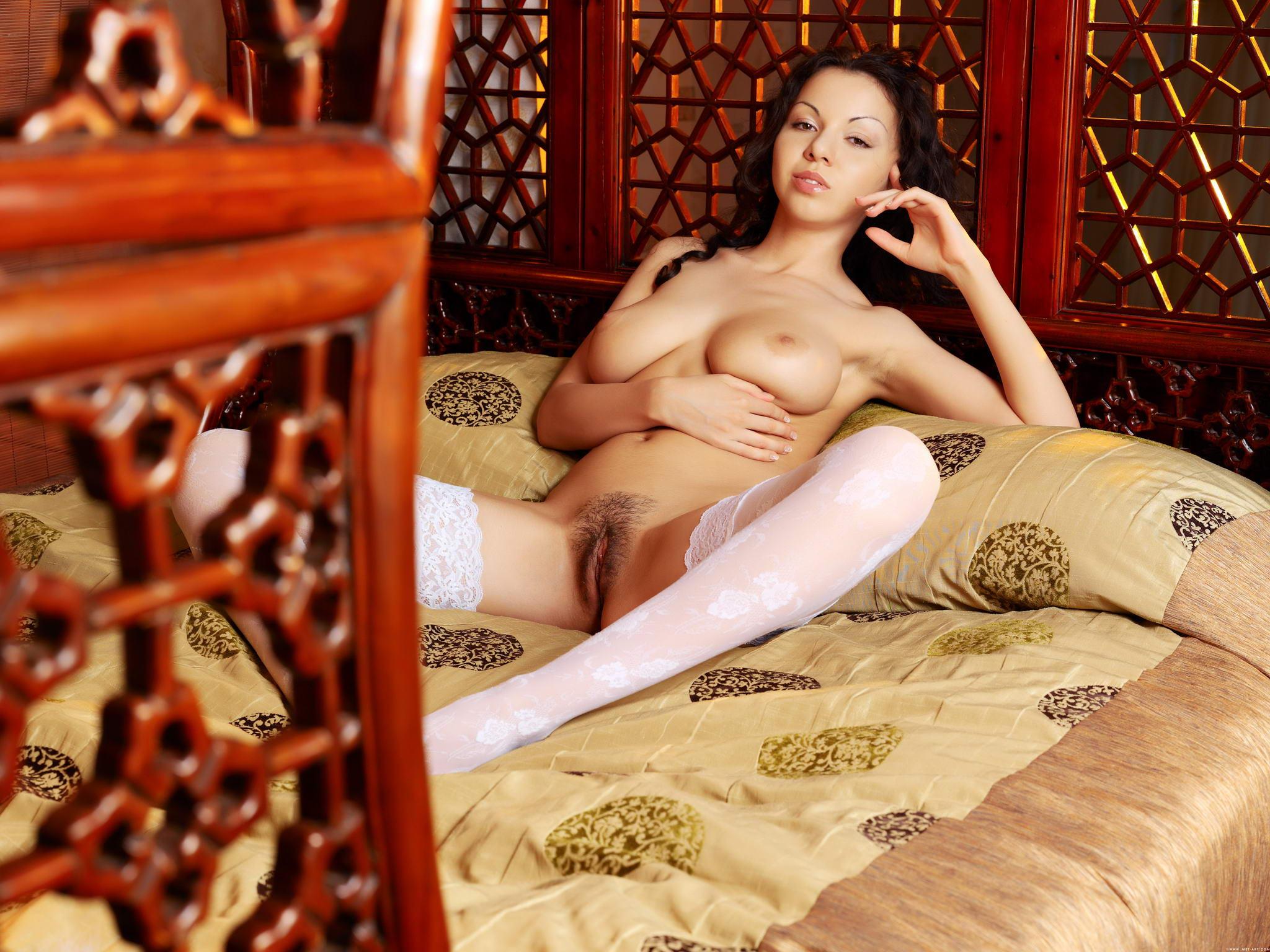 Проститутки с мохнаткой 19 фотография