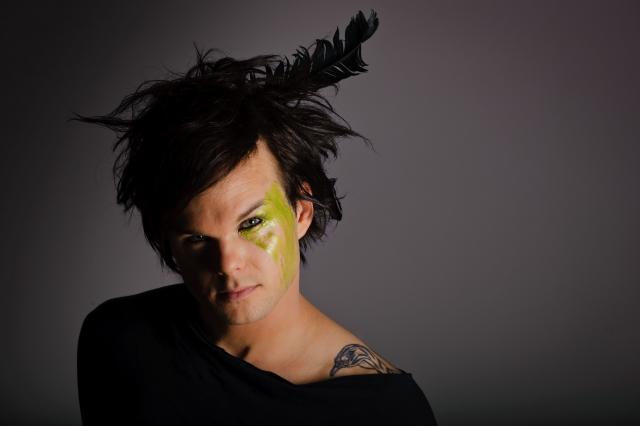 Солист The Rasmus: Перья в голове - это всегда смешно.
