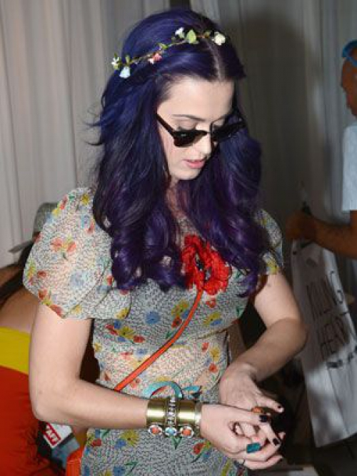 sev-katy-perry-flower-headband-blog.jpg