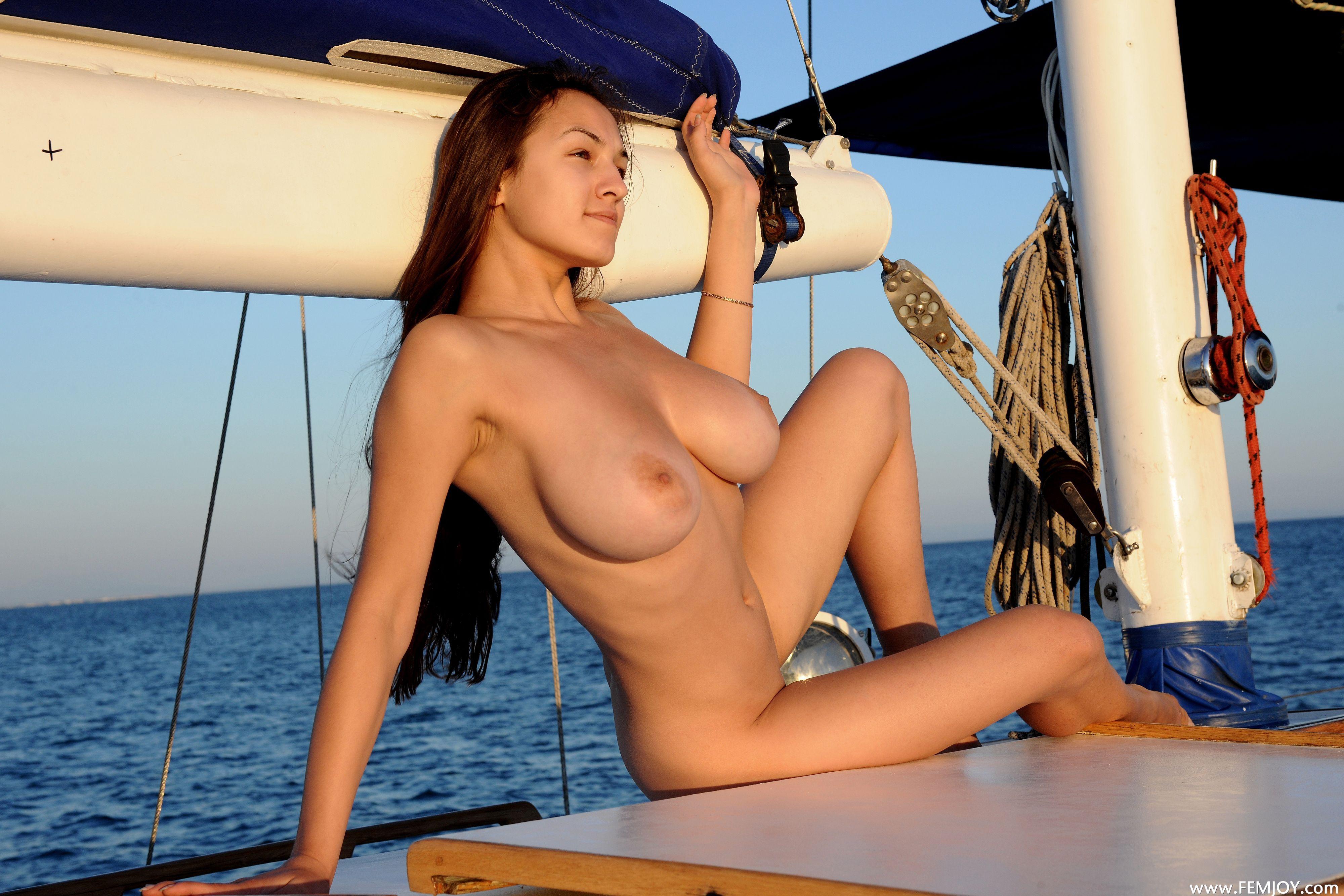 http://i2.imageban.ru/out/2013/08/14/deca50a5c7f996b72113203b716b7b10.jpg