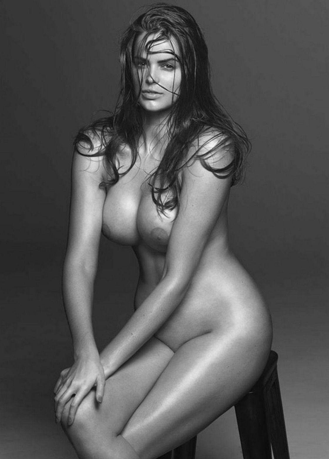 Фото моделей в одежде и голых 11 фотография