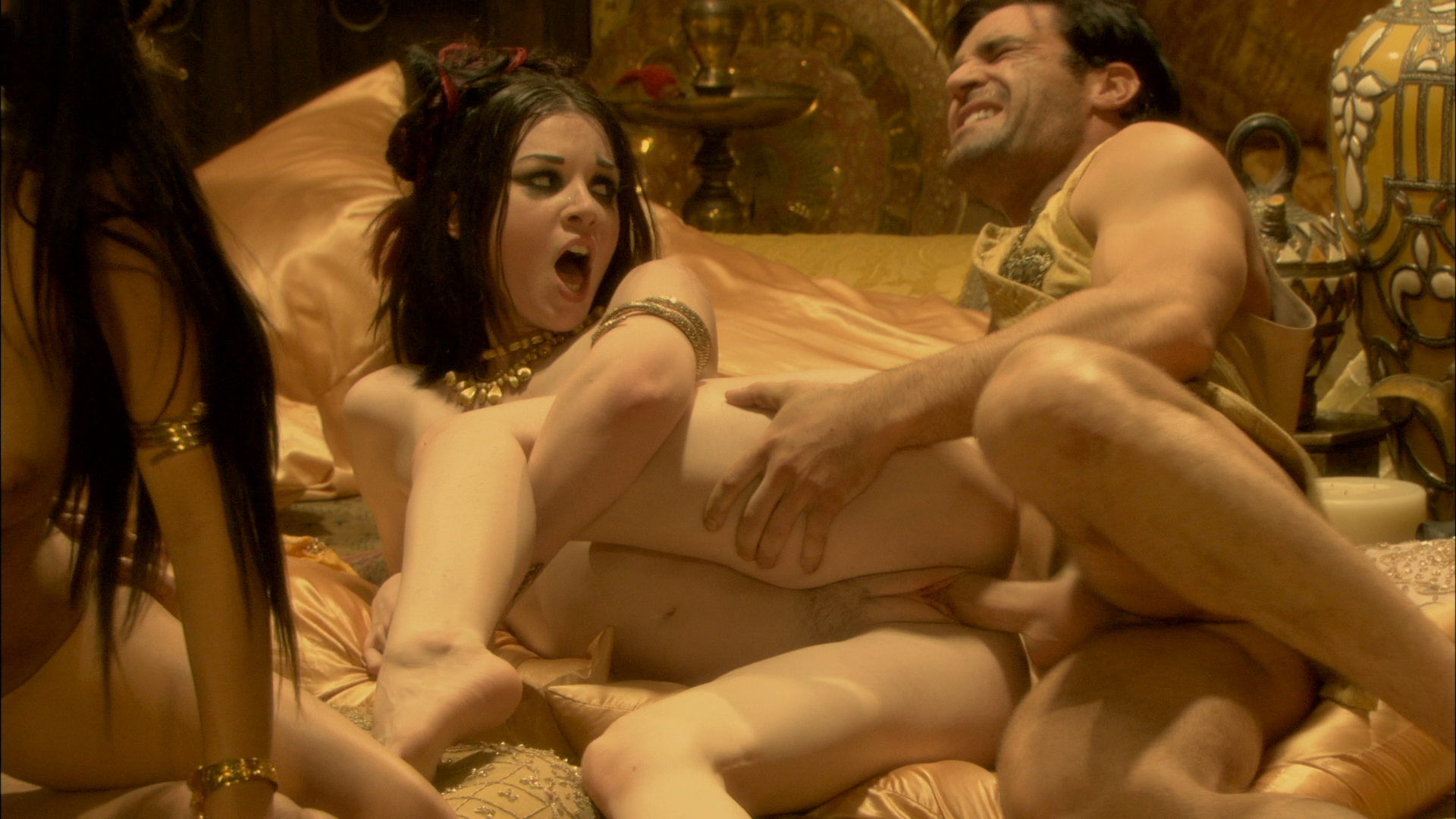 Pics of sex in pirates of d  naked scene