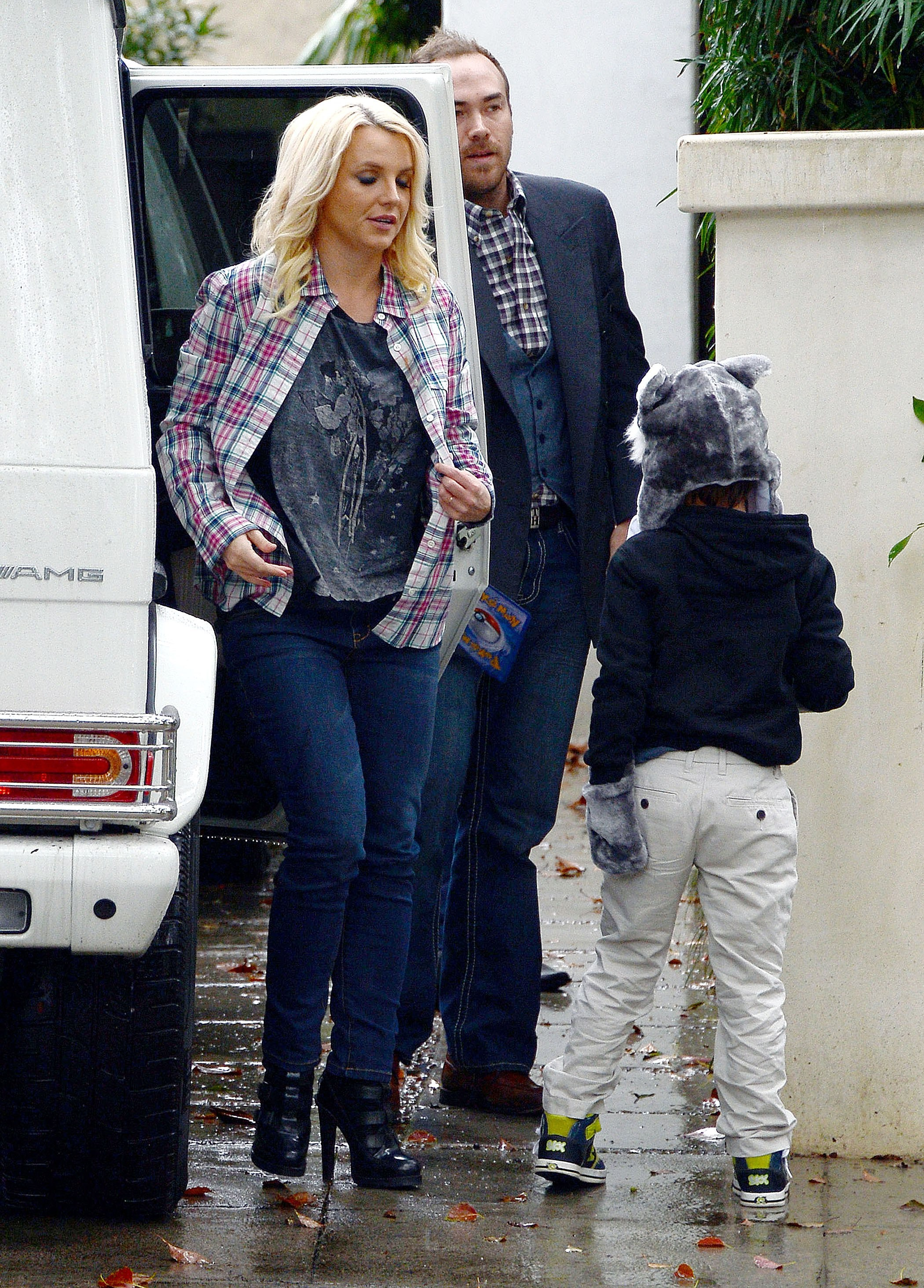 Бритни фото с мужем и детьми