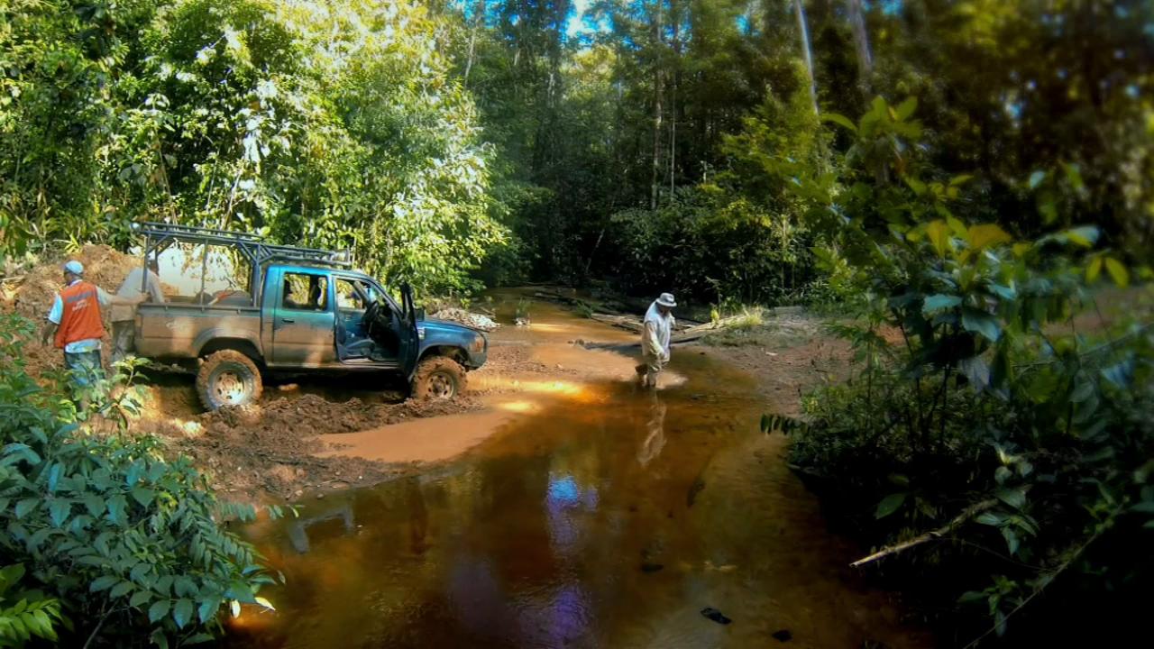 Discovery: Золотая лихорадка. Южная Америка (1 сезон: 1 - 4 серии) / Discovery: Gold Rush. South America (2013) WEB-DL 720p