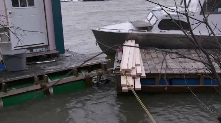 Discovery. Мятежники ледяного озера [01 сезон: 01-10 серии из 10] | HDTVRip | P2