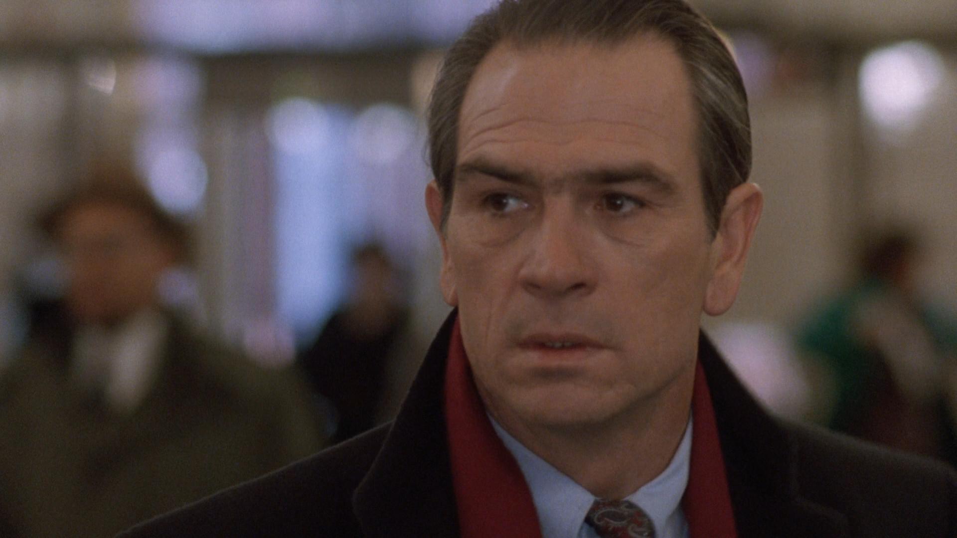 The.Fugitive.1993.1080p.BluRay.12xRus.Eng.HDCLUB-SbR.mkv_snapshot_01.17.38_[2015.03.02_07.38.49].png