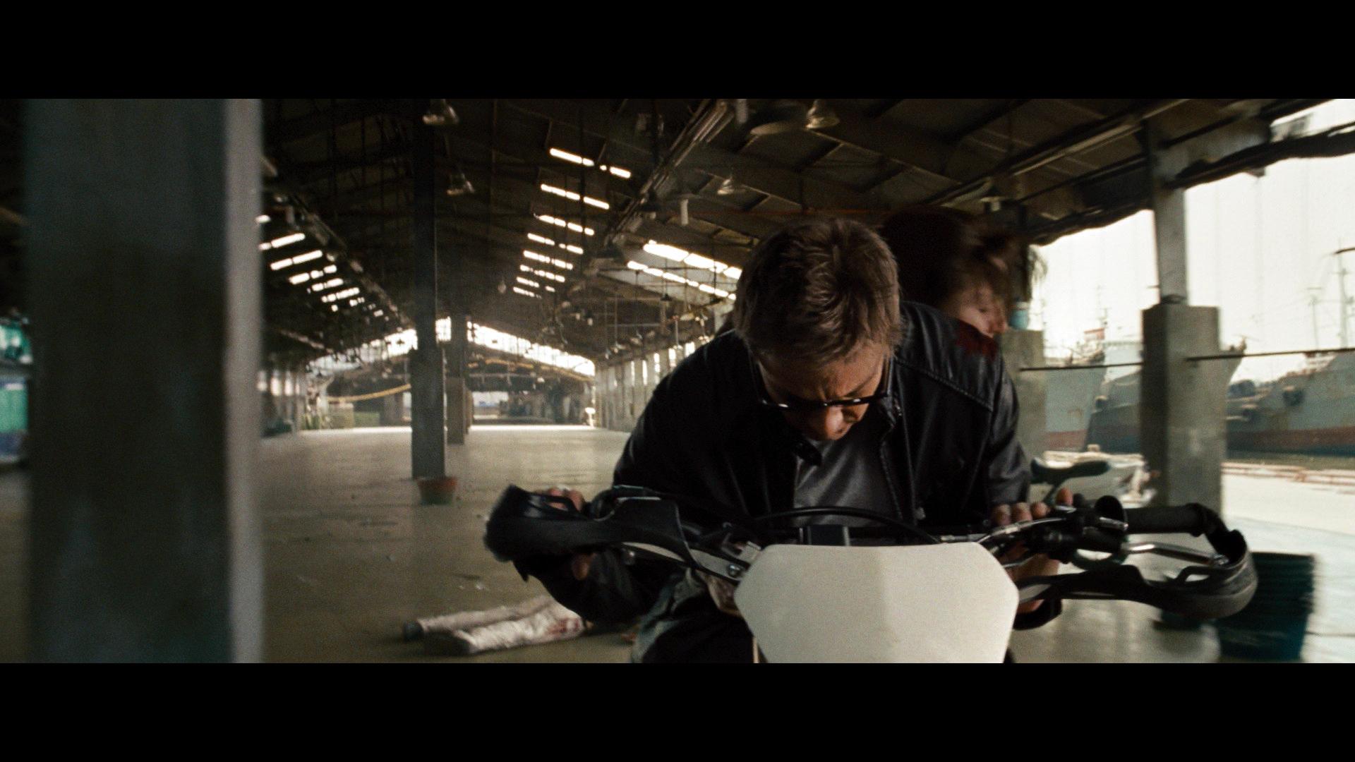 Эволюция Борна / The Bourne Legacy (2012) BDRemux 1080p