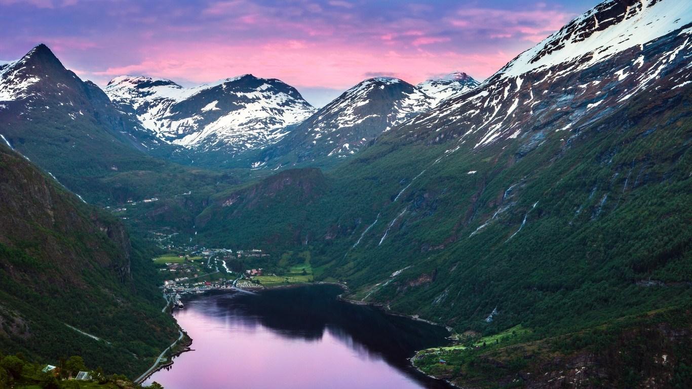 Роскошные пейзажи Норвегии - Страница 36 Cc13757cfff4b3fe16c26b32072ed684