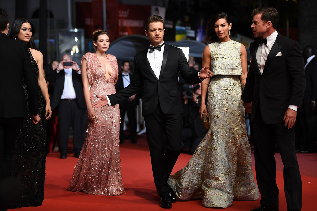 Jeremy+Renner+Square+Red+Carpet+Arrivals+70th+VaXHhzVGfNmx.jpg