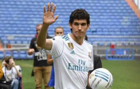 """Болельщики """"Мадрида"""" считают необходимым трансфер центрального защитника"""