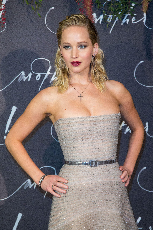 Jennifer-Lawrence-Sexy-21-thefappeningblog.com_-2.jpg