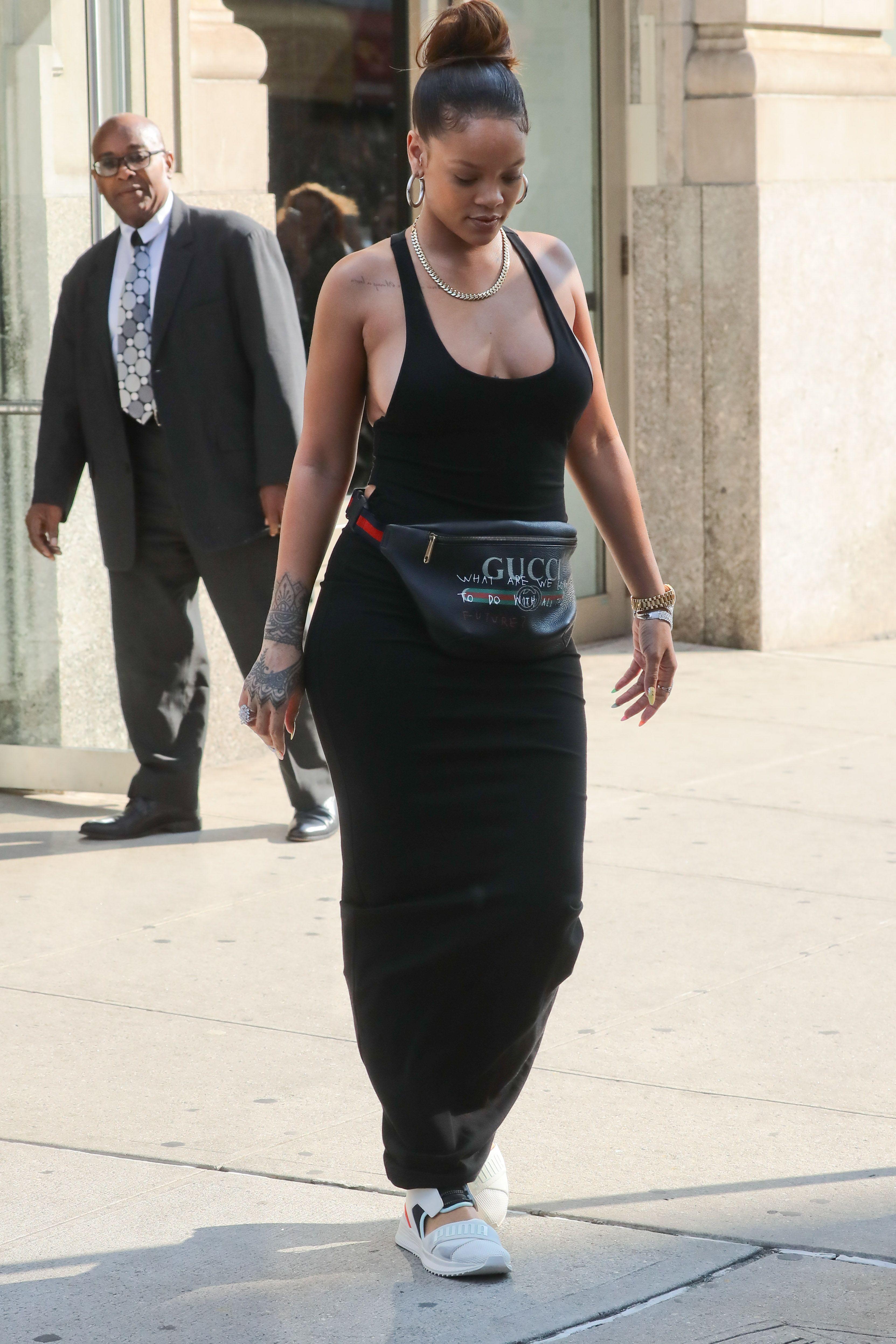 Rihanna-Braless-17-thefappeningblog.com_.jpg