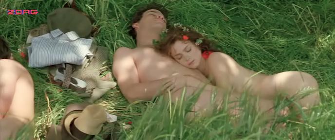 Michelle-Pfeiffer-hot-Anna-Friel-and-Calista-Flockhart-hot-and-sexy-A-Midsummer-Nights-Dream-1999-4.jpg