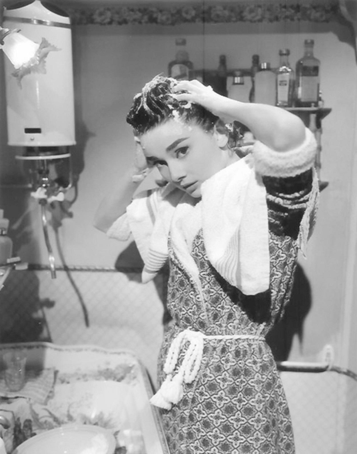 Audrey Hepburn  3453gggt6.jpg