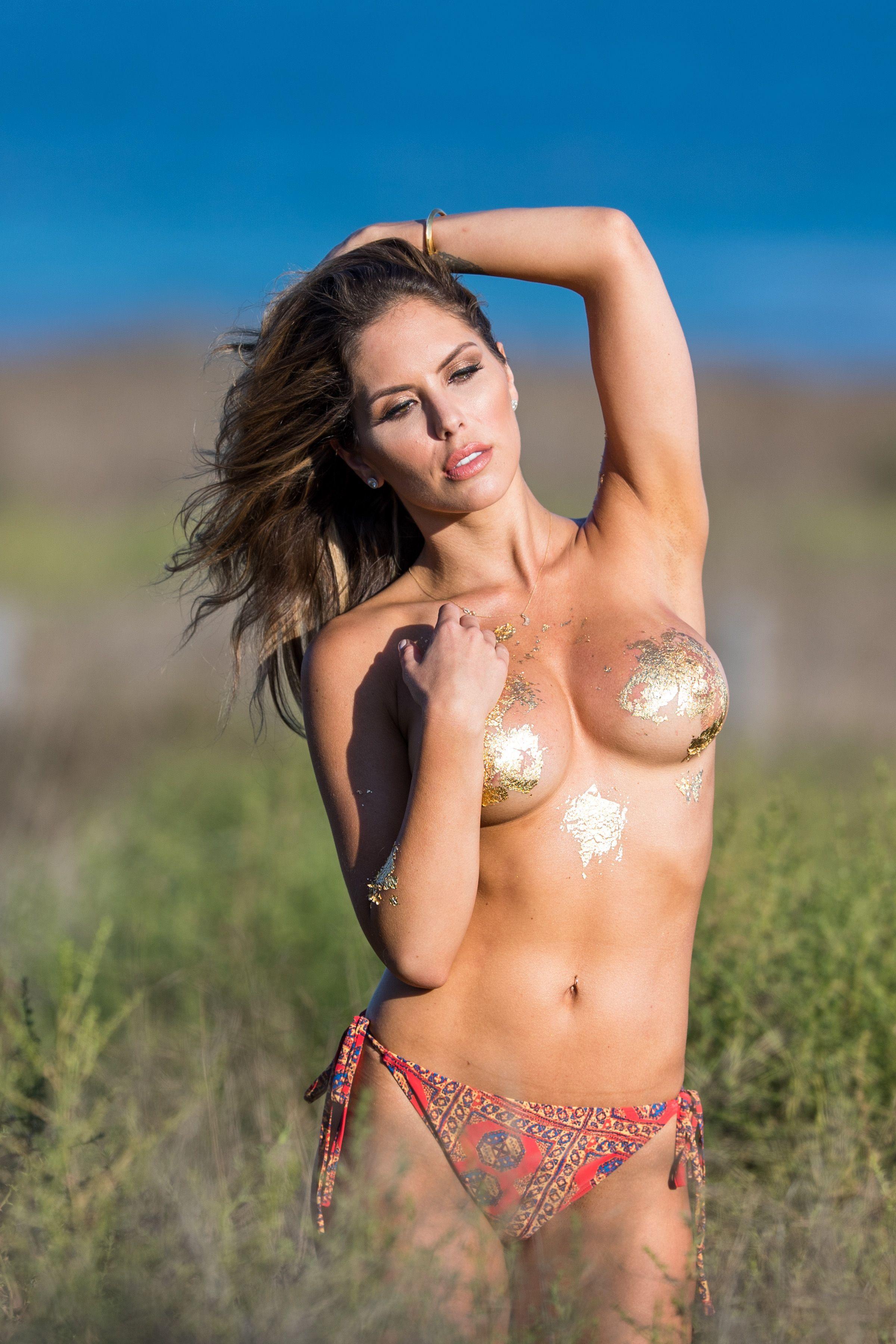 Brittney-Palmer-Sexy-Topless-11-thefappeningblog.com_.jpg