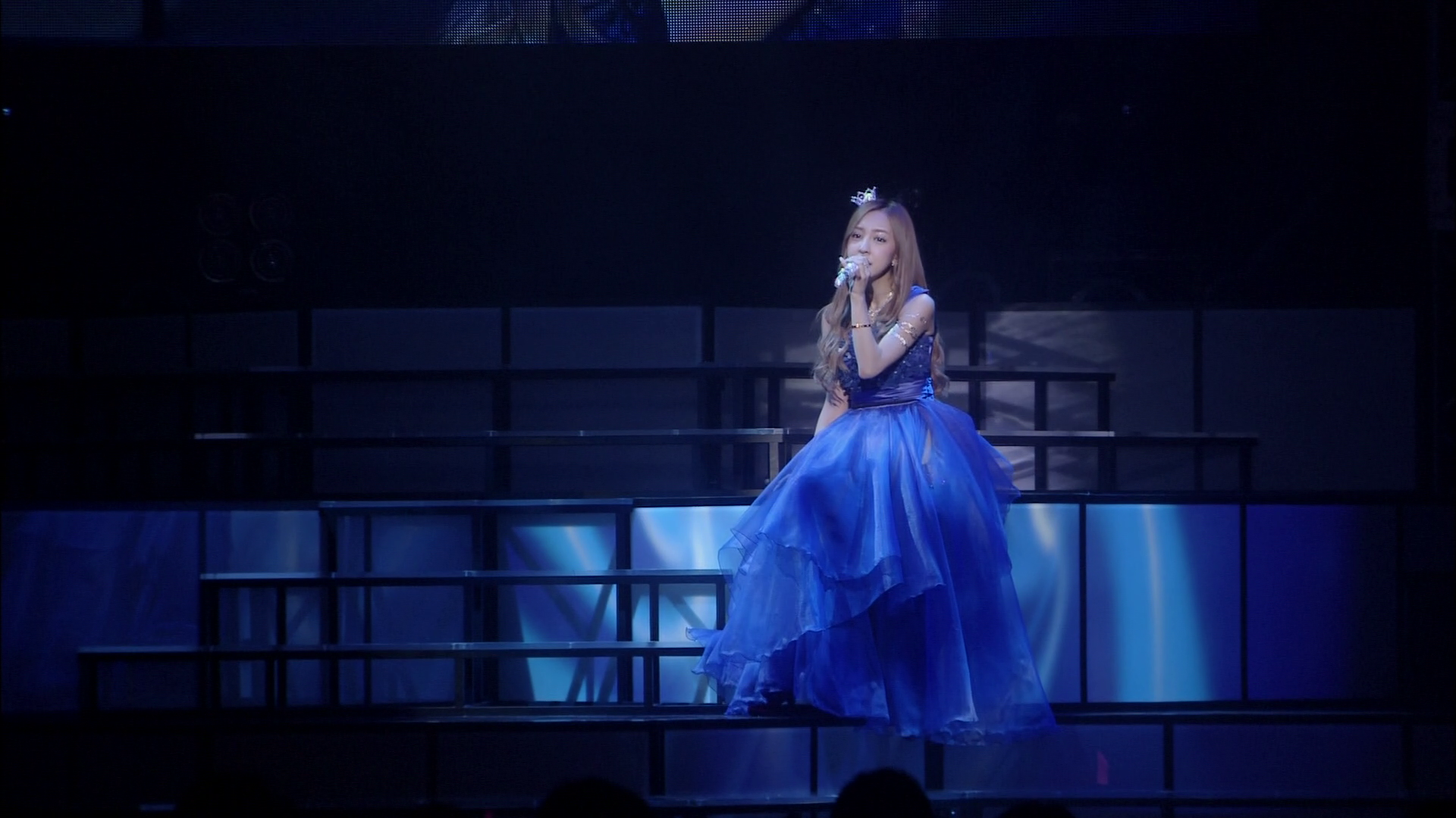 20171209.0704.2 Tomomi Itano - Live Tour ~SxWxAxG~ (Blu-Ray.iso) (JPOP.ru) 002.png