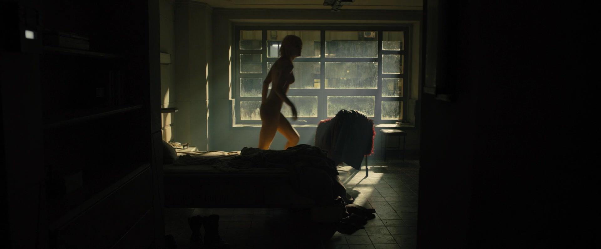 Ana-de-Armas-Sallie-Harmsen-Mackenzie-Davis-etc-Nude-50-thefappeningblog.com_.jpg