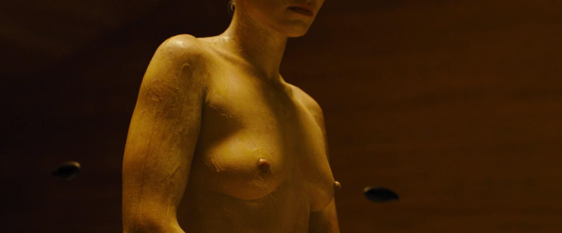 Ana-de-Armas-Sallie-Harmsen-Mackenzie-Davis-etc-Nude-22-thefappeningblog.com_.jpg