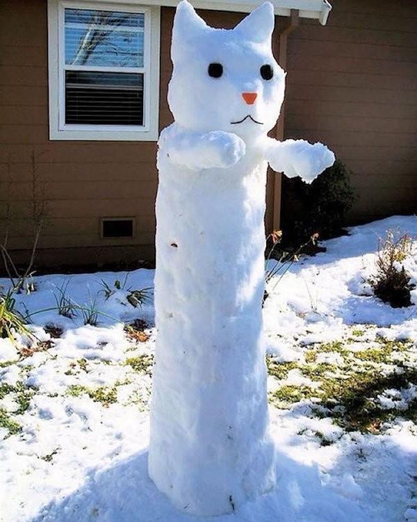 Снеговик-длиннокот
