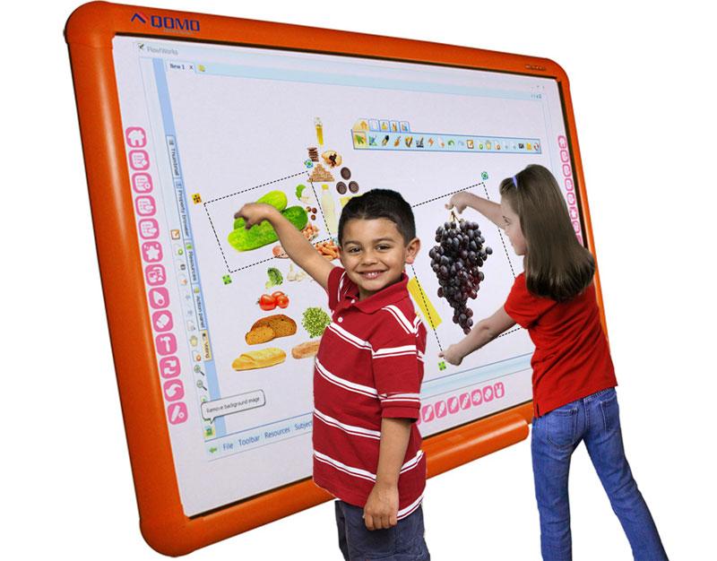 Интерактивная доска и ребенок