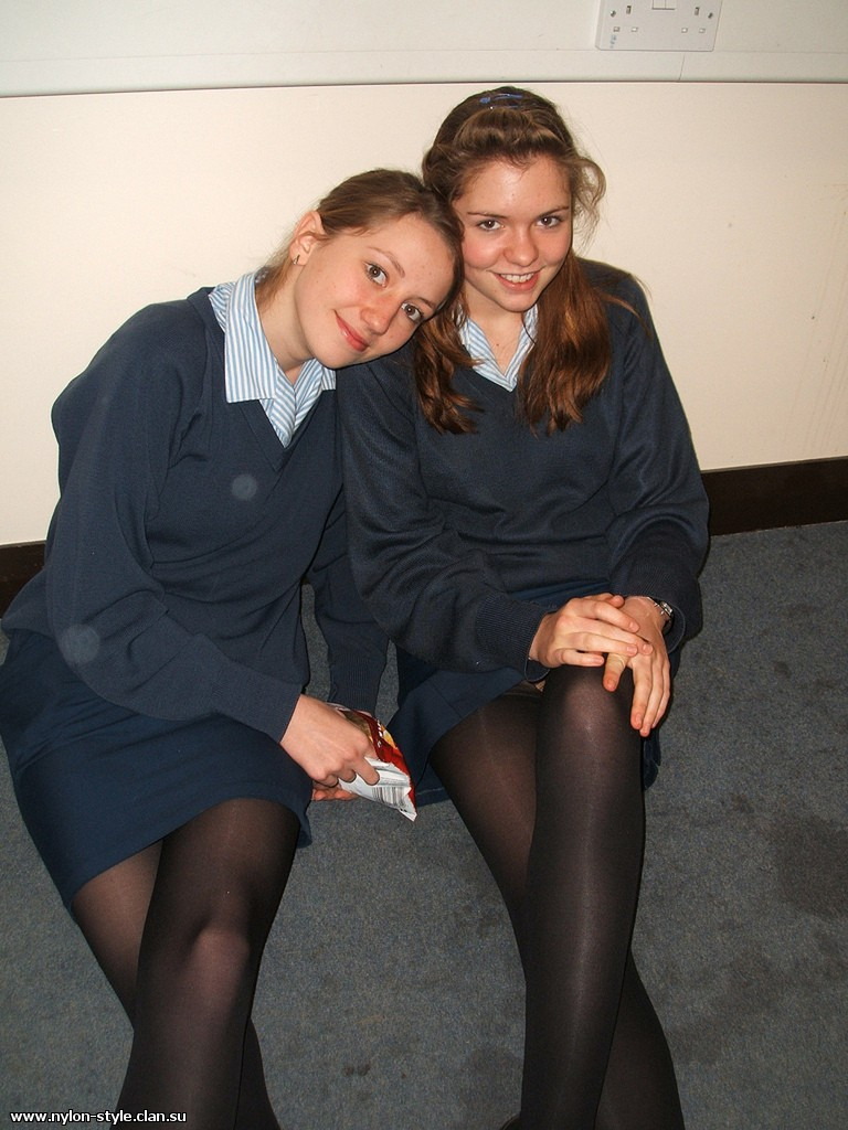 upskirt-uk-schoolgirl