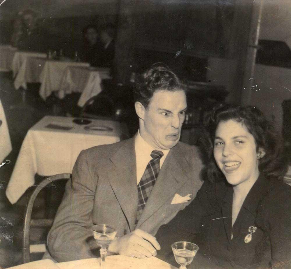 Marlon-Brando-with-his-then-girlfriend-Ellen-Adler.jpg