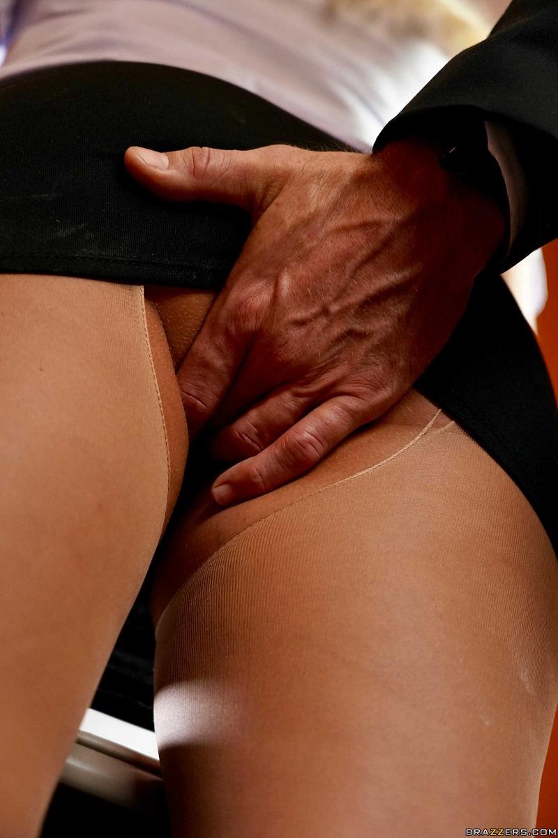 [BigTitsAtWork.com / Brazzers.com] Athena Palomino - Checking Into Athena [2018 г., All Sex, 720p]