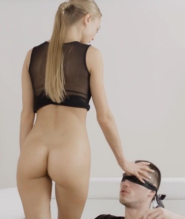 Красотка испытывает интенсивный оргазм, после чего награждает сочным минетом. / Nancy A - face strapped ill cum on your tongue (2018) HD 720p