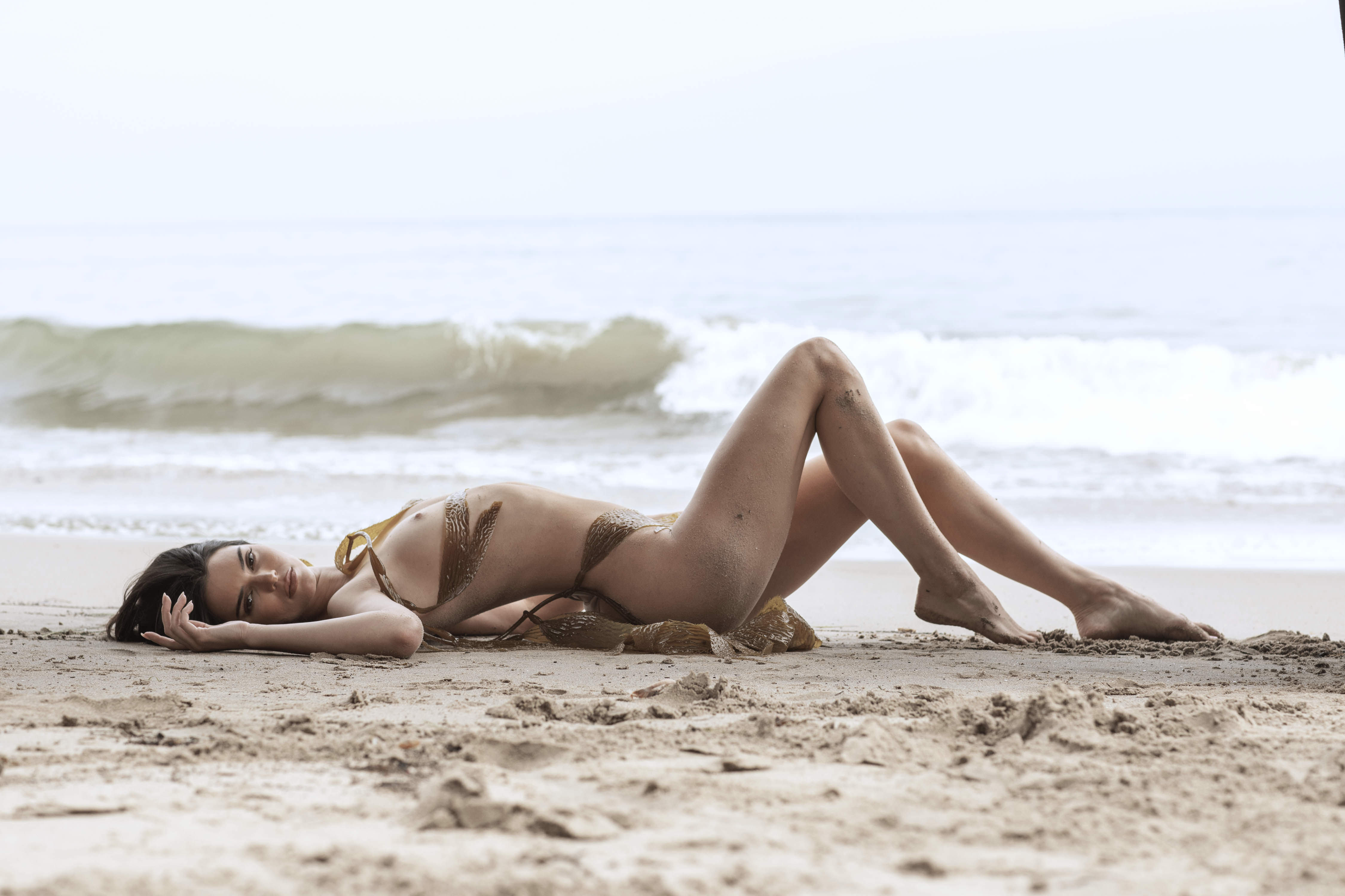 0810235419680_38_Kendall-Jenner-Nude-TheFappeningBlog.com-39.jpg