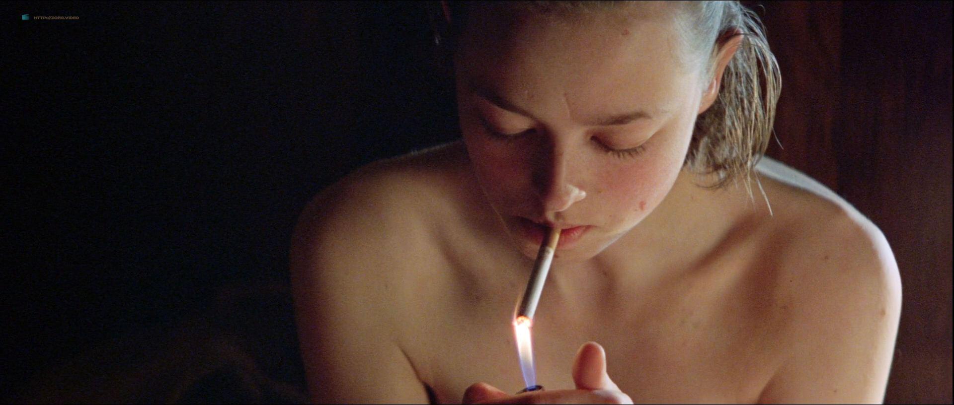 0919023556012_14_Lara-Belmont-nude-bush-and-topless-Tilda-Swinton-Aisling-O_Sullivan-nude-too-The-War-Zone-1999-HD-1080p-Web-004.jpg