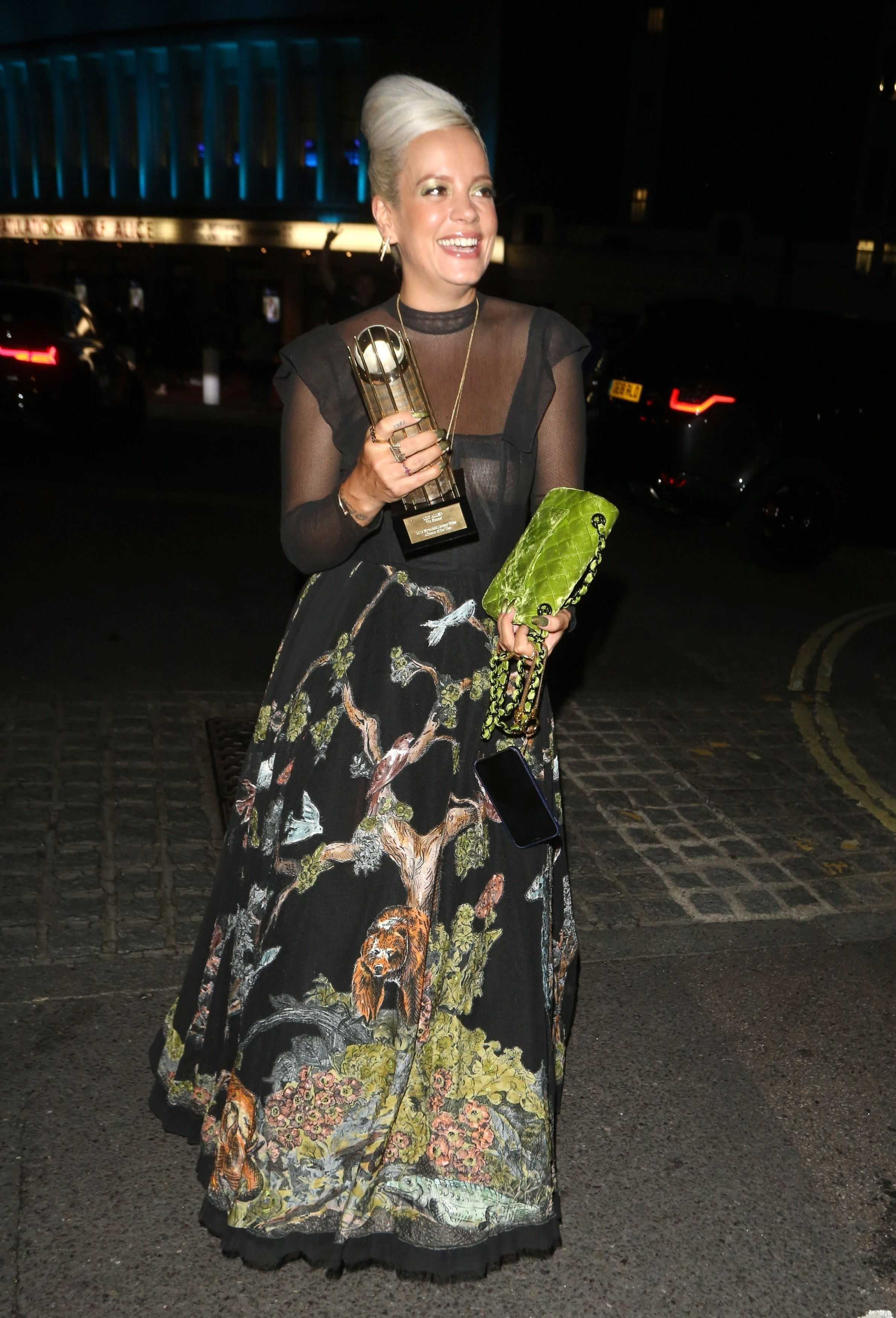 0919040453772_09_Lily-Allen-See-Through-TheFappeningBlog.com-10.jpg