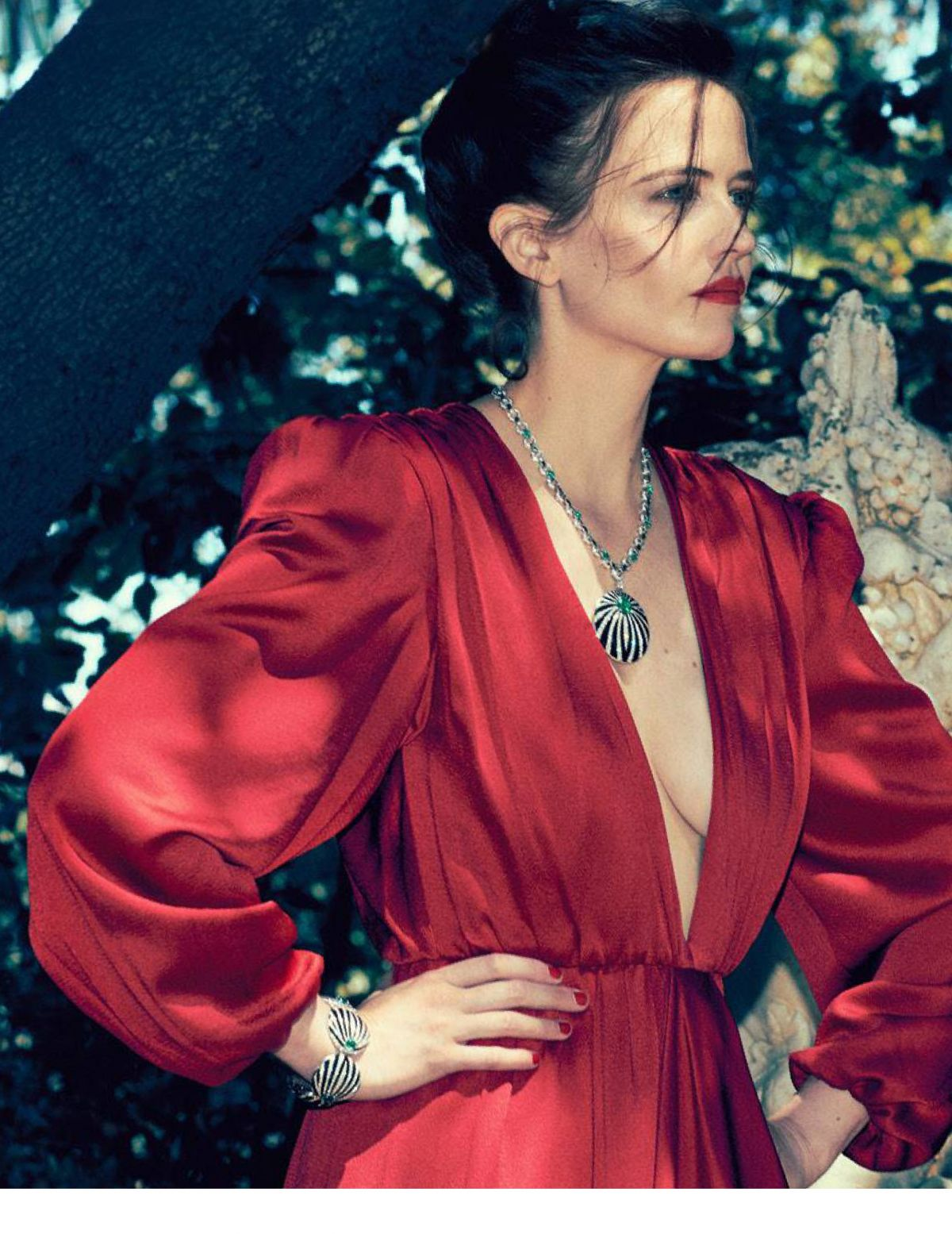 88176458_eva-green-madame-figaro-november-2018-4.jpg