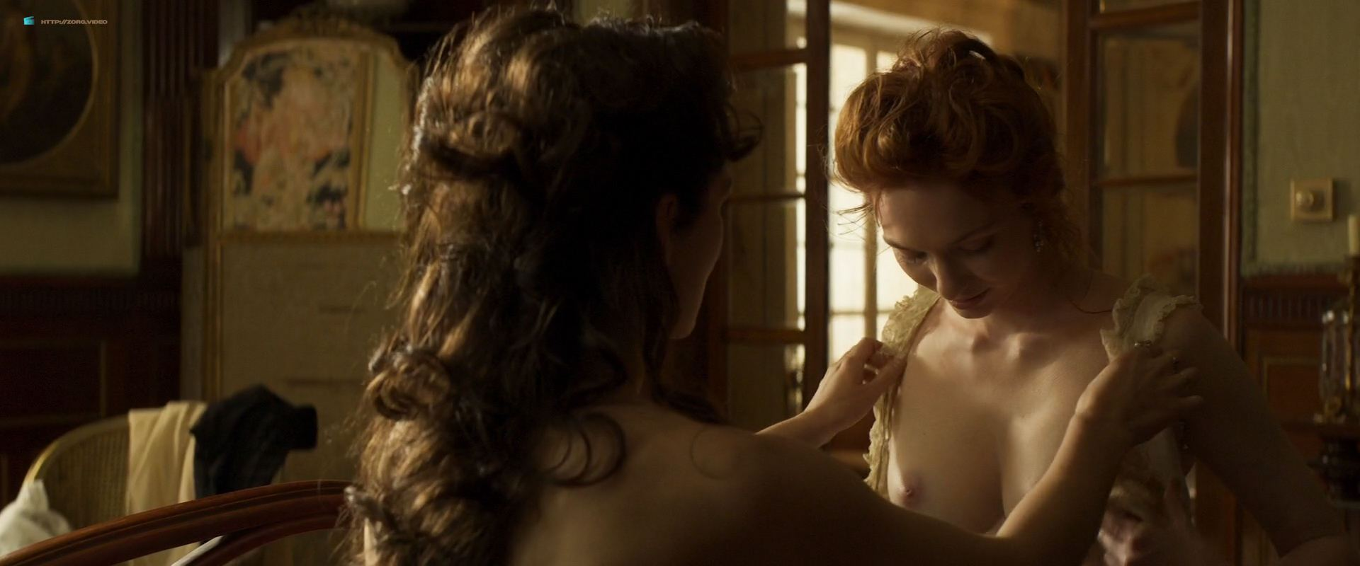 1104234453470_05_Keira-Knightley-nude-topless-and-lesbian-sex-with-Eleanor-Tomlinson-Colette-2018-HD-1080p-06.jpg