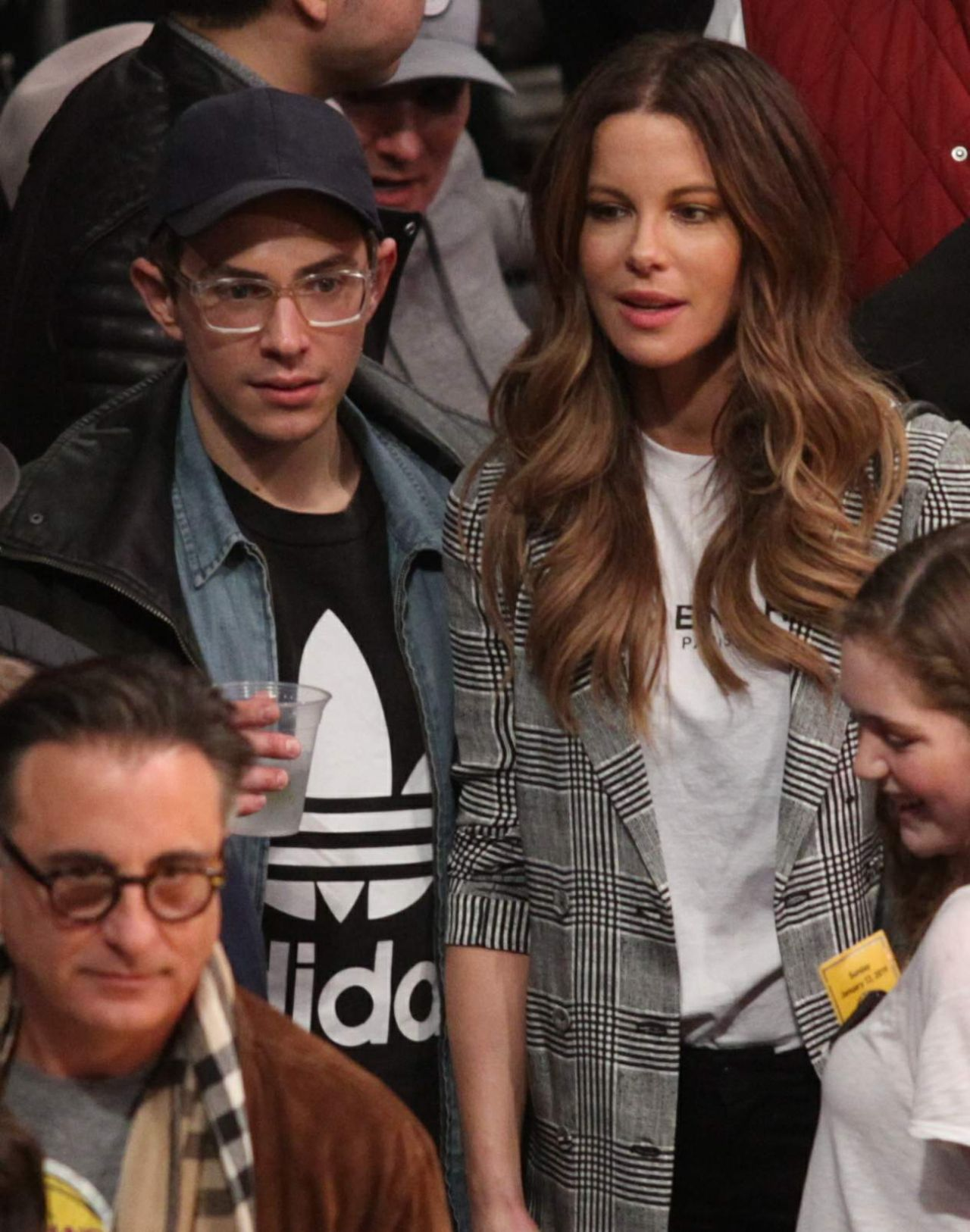 kate-beckinsale-la-lakers-vs-the-cleveland-cavaliers-game-in-la-01-13-2019-8.jpg