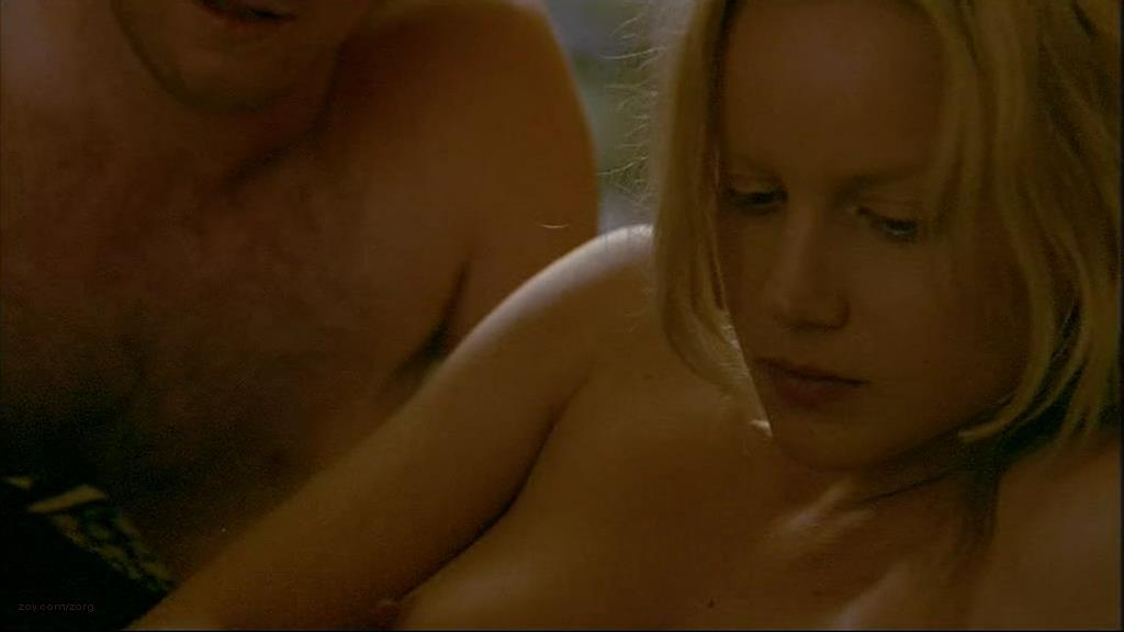 0110160553376_04_Abbie-Cornish-nude-topless-sex-Somersault-2004-2.jpg