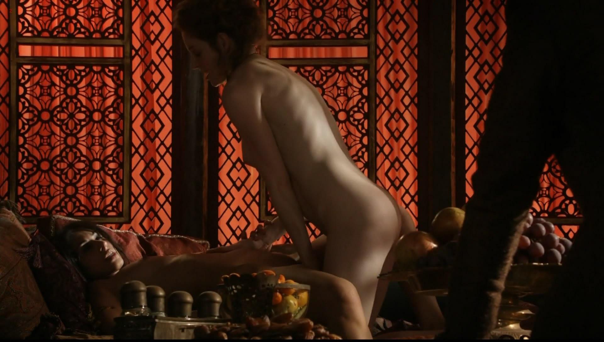 0313180826384_05_Esme-Bianco-nude-topless-Game-of-Thrones-s1e1-hd1080p-41.jpg