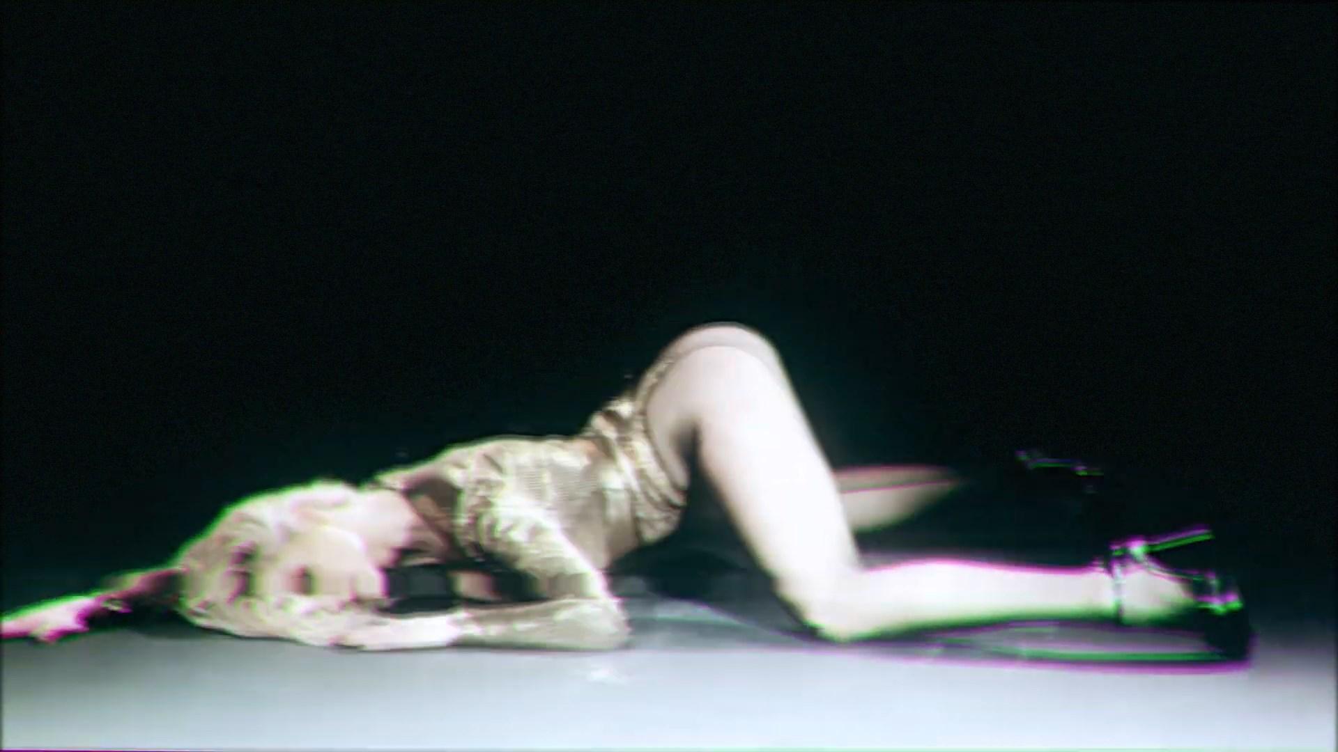 MISHA ROMANOVA - MAKEUP [Премьера клипа].mp4_snapshot_00.21_[2019.04.19_11.46.11].jpg