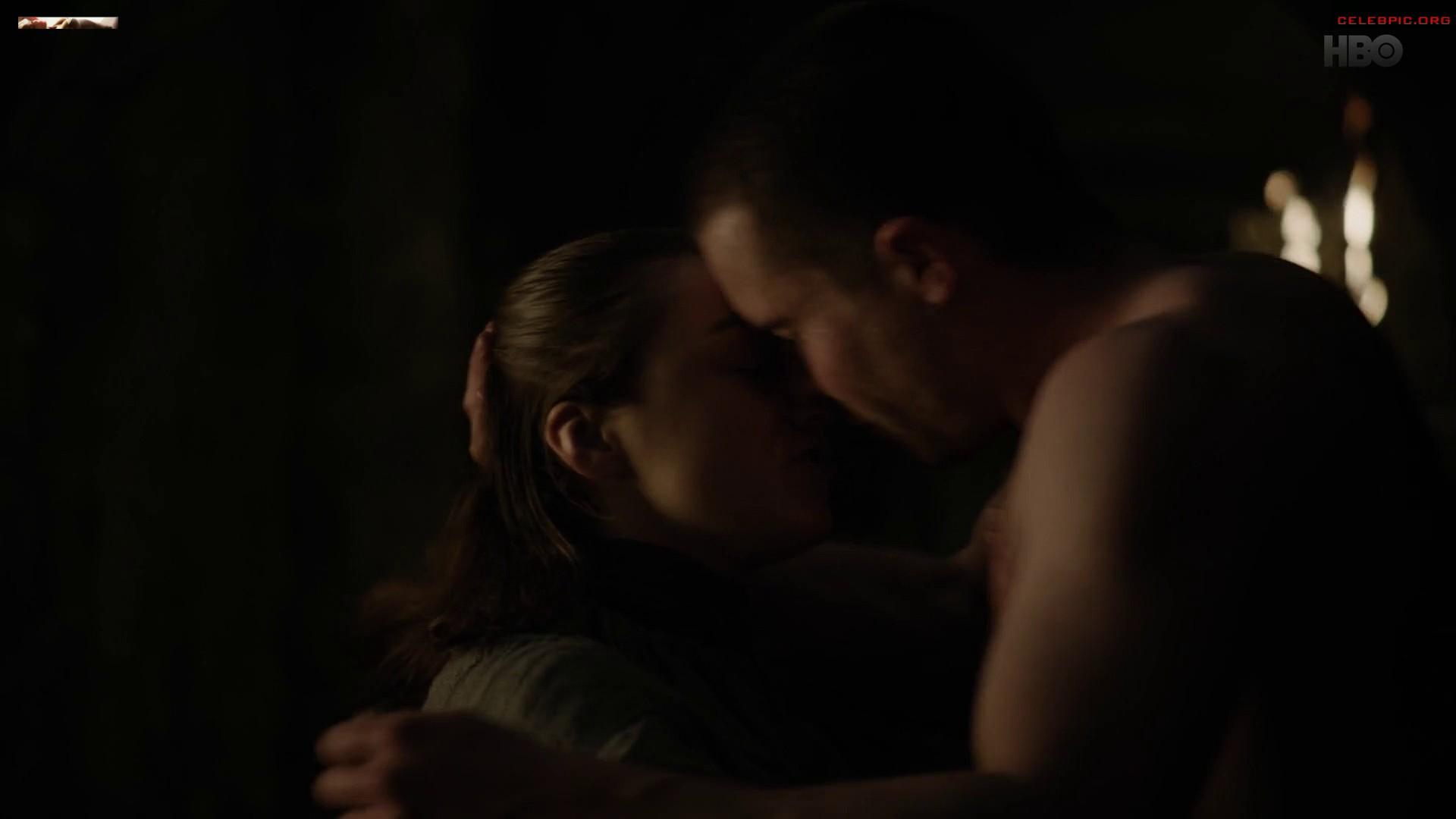 0322054006910_06_Maisie_Williams_-_Game_of_Thrones_S08_E02_1080p__1_181.jpg