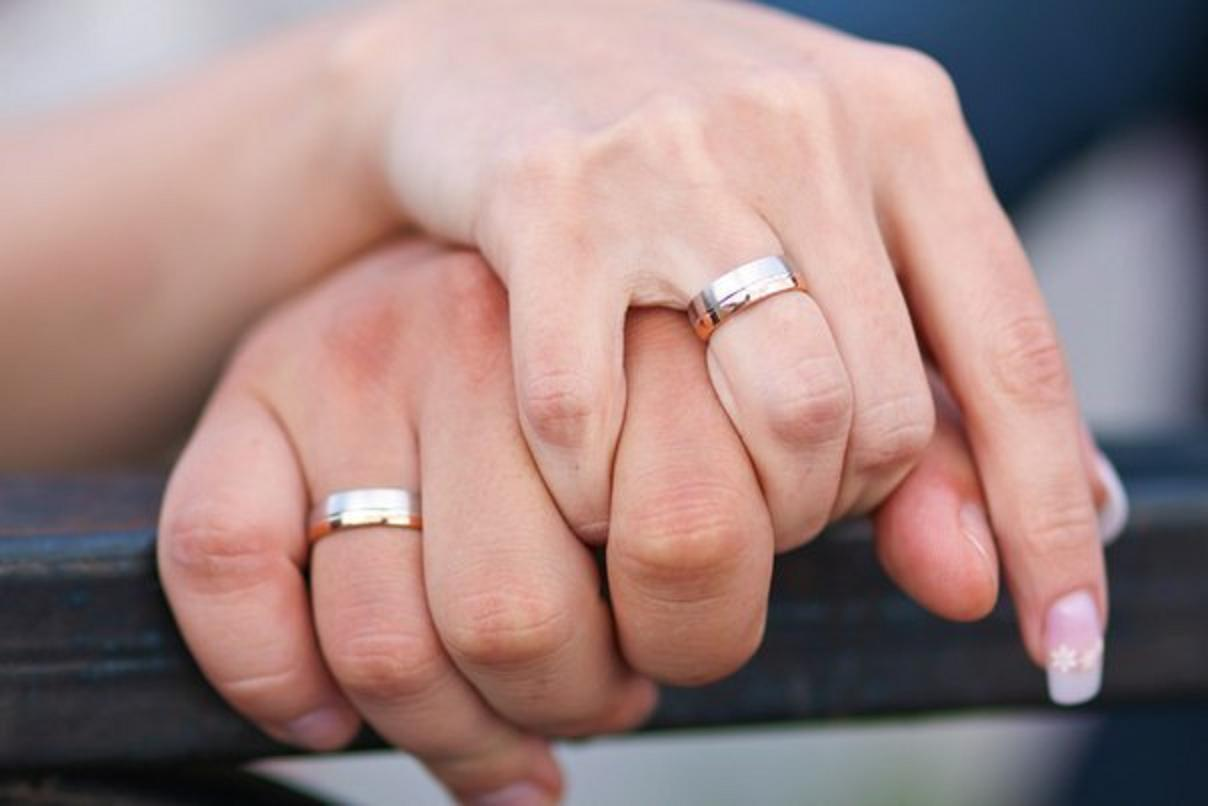 Картинки, картинки две руки с обручальными кольцами