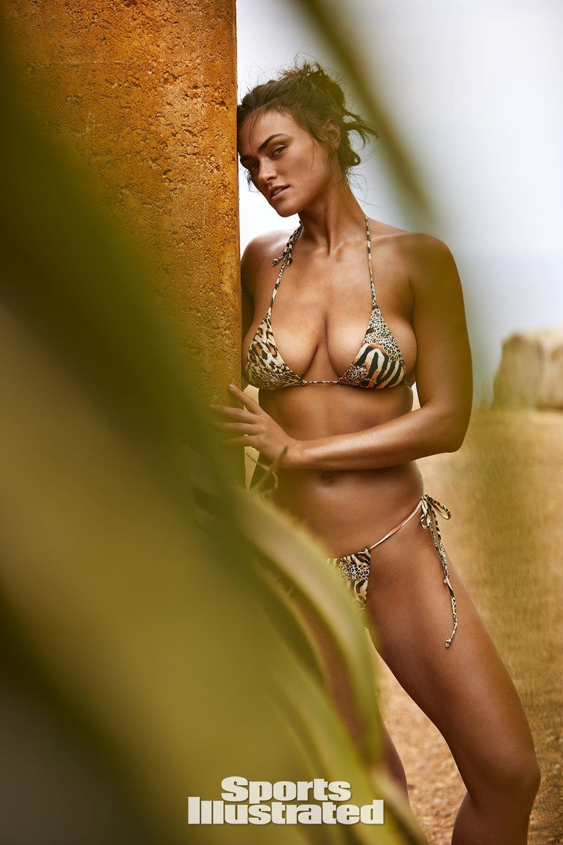 0409070336912_22_Myla-Dalbesio-Nude-Sexy-TheFappeningBlog.com-23.jpg